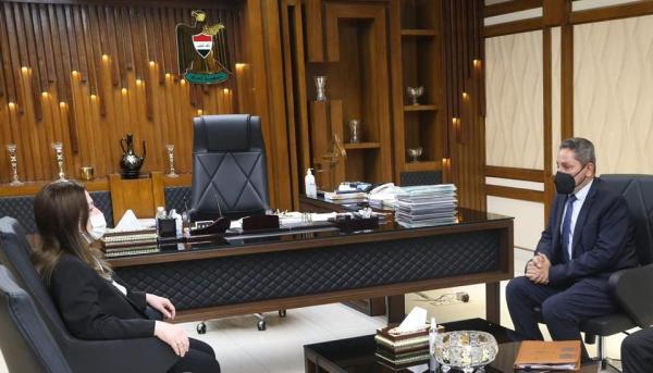 النائب الاول لمحافظ البصرة يبحث مع وزير الاعمار والاسكان ملفي مشروع مجاري الزبير والمدارس الدولية الحكومية