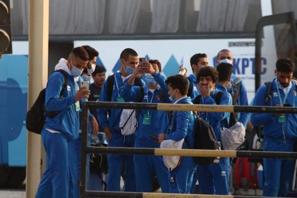 وصول وفد المنتخب الكويتي الى البصرة عبر منفذ سفوان