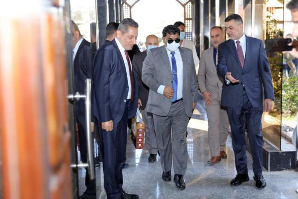 الحكومة المحلية في البصرة تبحث تعزيز أطر التعاون الاستثماري والاقتصادي مع السفير الهندي