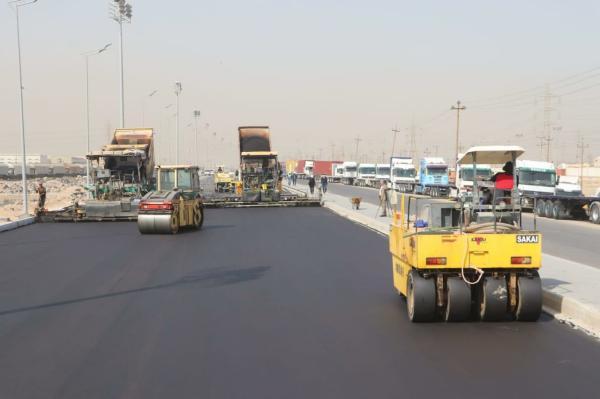 وزارة النقل تكمل 95% من طريق الدخول إلى مينائي أم قصر الشمالي والجنوبي