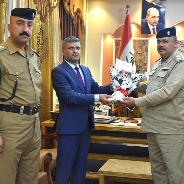 معاون المحافظ للشؤون الإدارية يزور قيادة شرطة البصرة