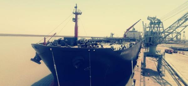 النقل : تستقبل عددا من ناقلات النفط في ميناء خور الزبير التخصصي ..