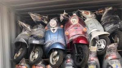 الكمارك تعلن ضبط دراجات نارية وادوات احتياطية مستعملة مخالفة للضوابط في كمرك ام قصر الشمالي