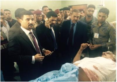 زيارة السيد معين الحسن معاون المحافظ للشؤون الادارية لشهداء وجرحى معلمين مدرسة ابي الخصيب