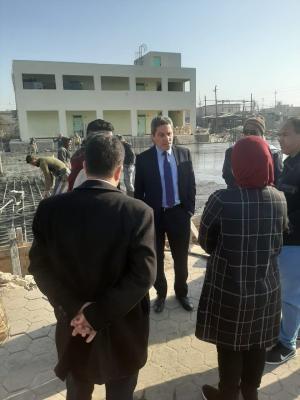 المهندس التميمي يتفقد اعمال تنفيذ مشاريع الابنية المدرسية التي احالتها الحكومة المحلية