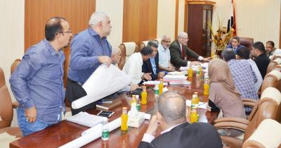 النائب الاول لمحافظ البصرة يوجه بتشكيل لجنة تدقيقية تلزم بقراراتها جميع المعنيين للبت بتنفيذ مشروع مجاري قضاء المدينة