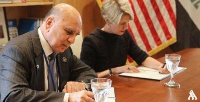 العراق وأمريكا يوقعان مذكرة تفاهم بخمسة مليارات دولار