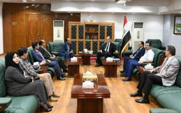 الحمداني يستقبل رئيس جمعية الادباء الشعبيين وأعضاء هيئتها الإدارية الجديدة