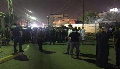 """تجمع لأصحاب معارض شارع الوفود بالبصرة لاستثنائهم من """"الجراف الأصفر"""""""