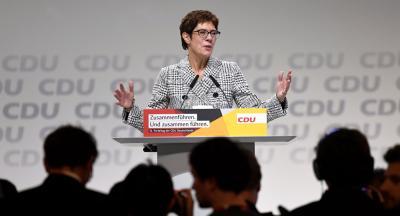 وزيرة ألدفاع الألمانية تصل إلى بغداد في زيارة غير معلنة