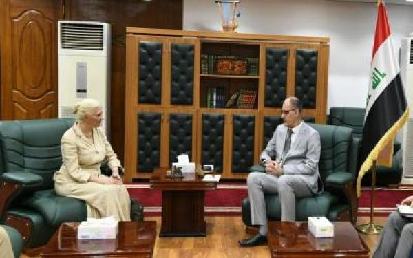 الحمداني يبحث مع مديرة المجلس الثقافي البريطاني في العراق المشاريع الثقافية المشتركة
