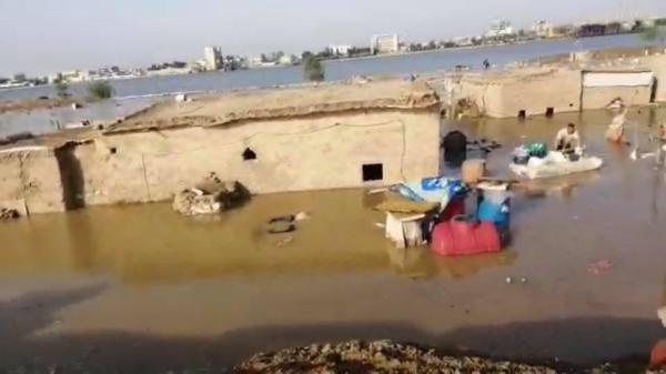 النائب الاداري الدكتور ضرغام الاجودي يتوجه الى اغاثة العوائل المتضررة جراء ارتفاع مناسيب المياه في قضاء شط العرب