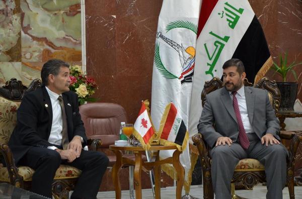 """الاجودي"""" يلتقي السفير الكندي برونو ساكوماني"""