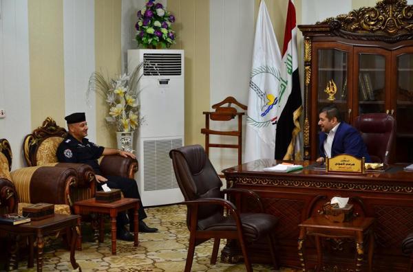 """الاجودي"""" يلتقي بمدير الدفاع المدني في محافظة البصرة ."""