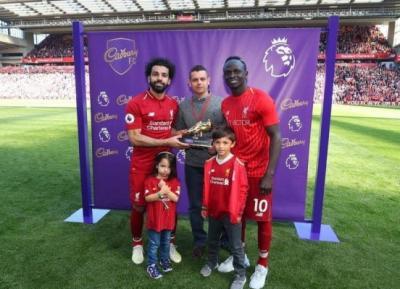 ثلاثة لاعبين يتقاسمون جائزة هداف الدوري الانكليزي